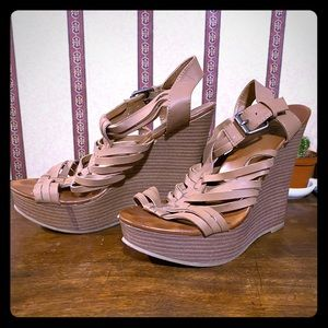 Mix No.6 Tan Strappy Wedges